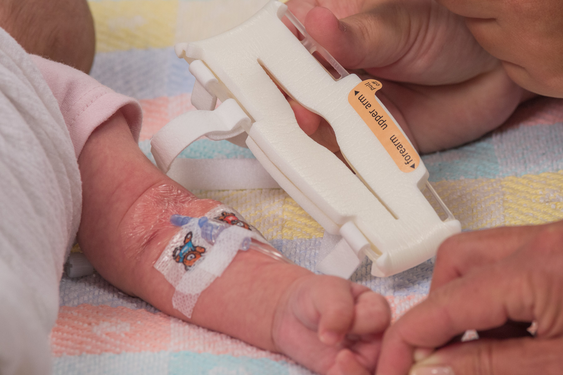 Orientation Label on size Small TLC Elbow Splint for infants